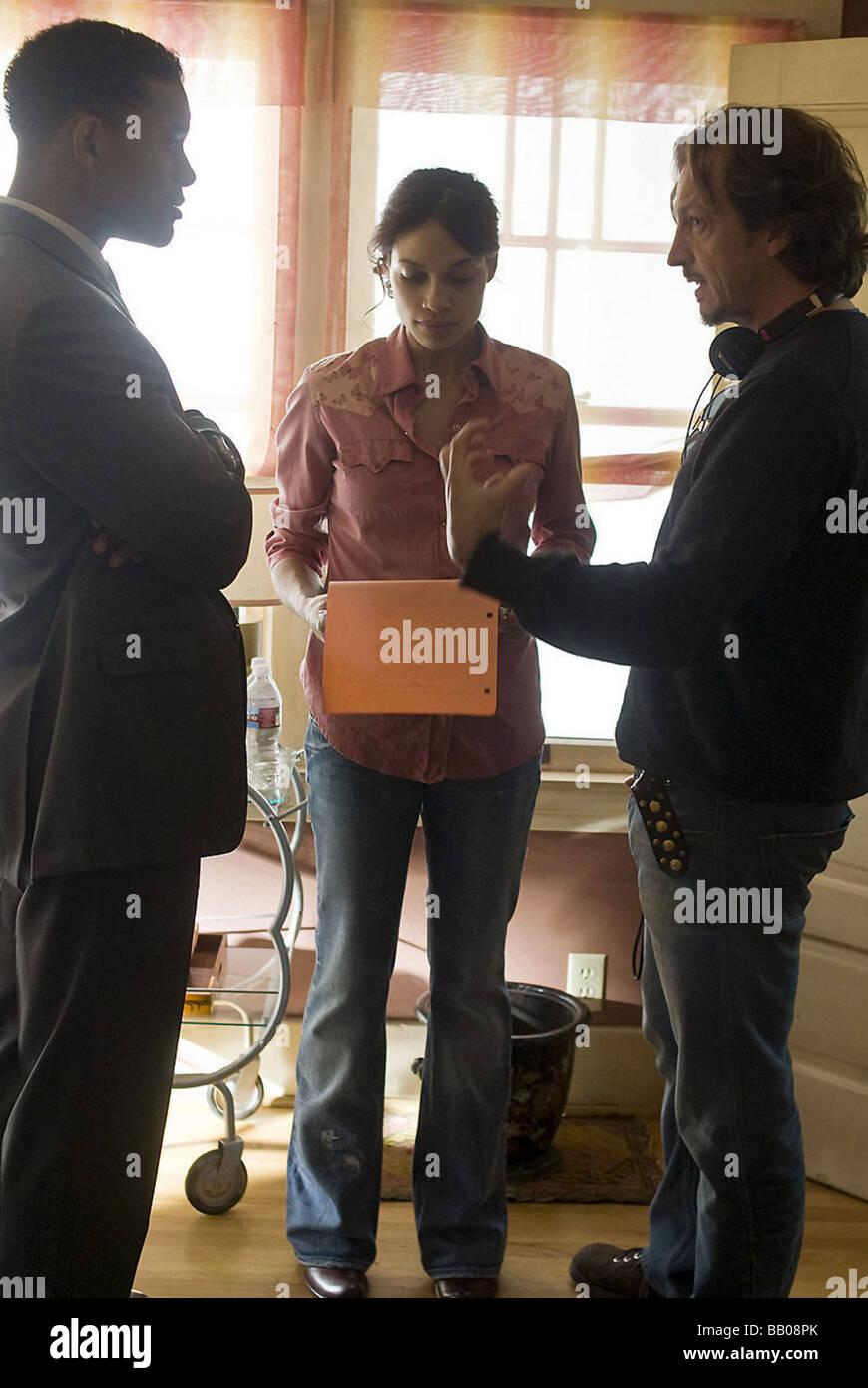 Seven Pounds Year : 2009 Director : Gabriele Muccino Will Smith, Rosario Dawson, Gabriele Muccino Shooting - Stock Image