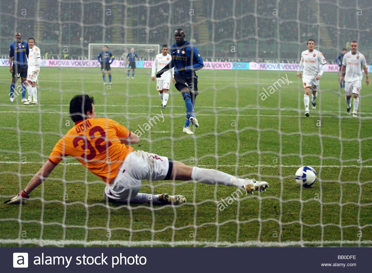 mario balotelli scores the penalty,milano 2009,serie a football championship 2008/2009,inter-roma - Stock Image