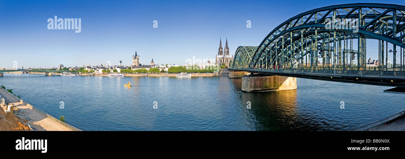 Hohenzollern Brucke (Bridge) and Cologne Cathedral, Cologne, Germany - Stock Image