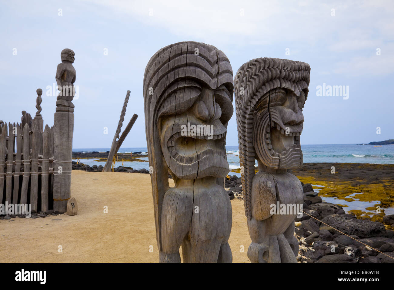 Wooden tiki Puuhonua o Honaunau National Historical Park Big Island Hawaii - Stock Image