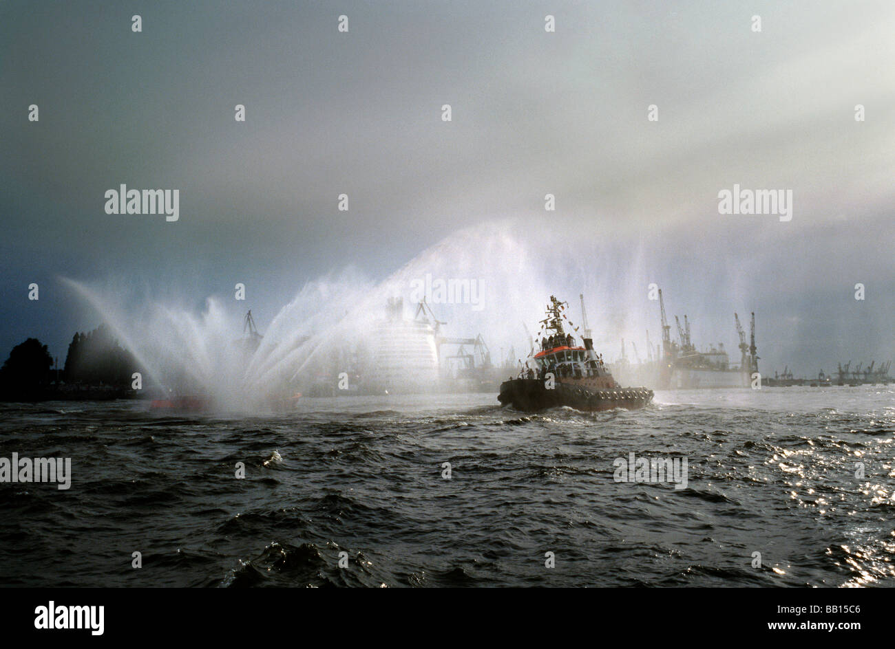 May 9, 2009 - The traditional Ballett of the Tugs (Schlepperballett) during the 820th Hafengeburtstag in the port - Stock Image