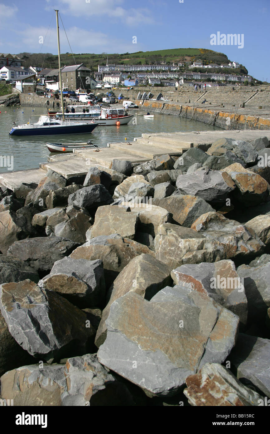 Town of New Quay, Wales. Leisure and fishing vessels moored in the picturesque New Quay harbour. - Stock Image