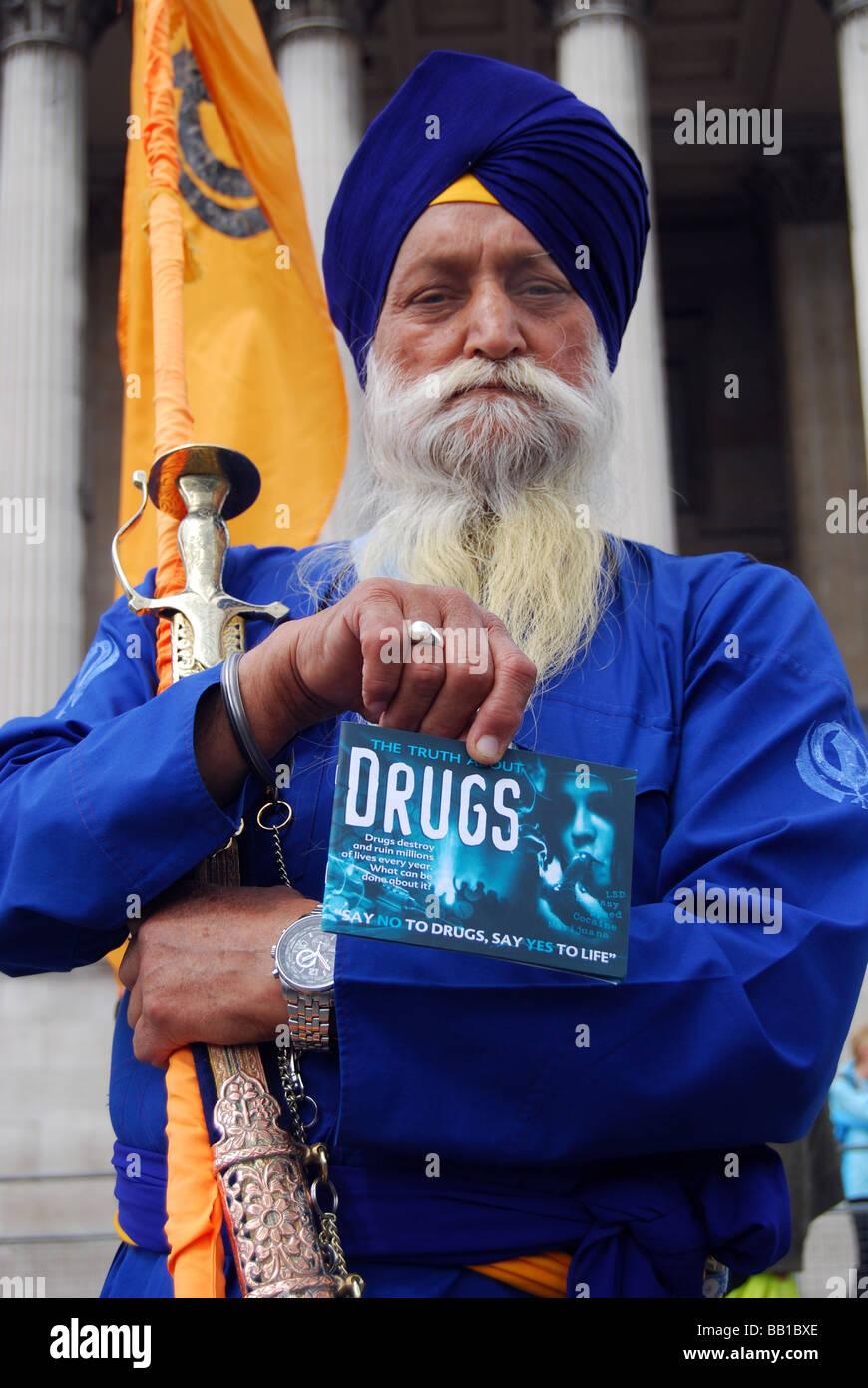 Sikh man turban sword beard proud anti drugs - Stock Image