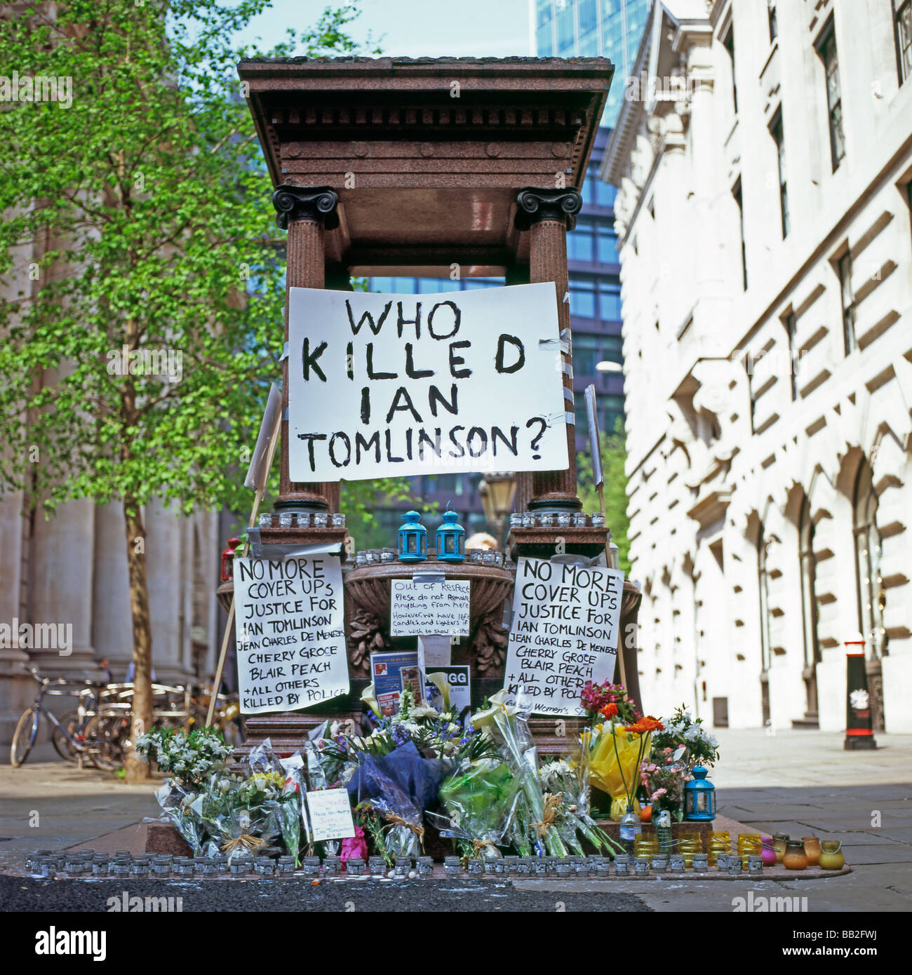 Memorial for Ian Tomlinson who died during the G20 demonstration London April 2009 - Stock Image