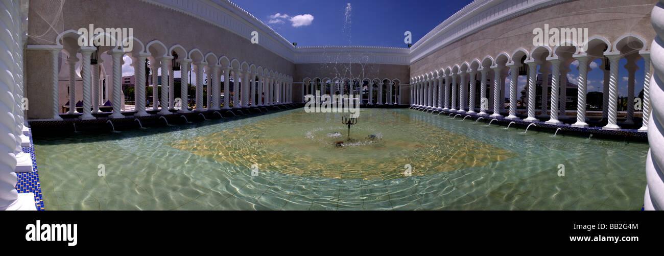Fountain Pool of the Sultan Omar Ali Saifuddien Mosque,Bandar Seri Begawan,Brunei,Borneo,Malaysia,Asia - Stock Image