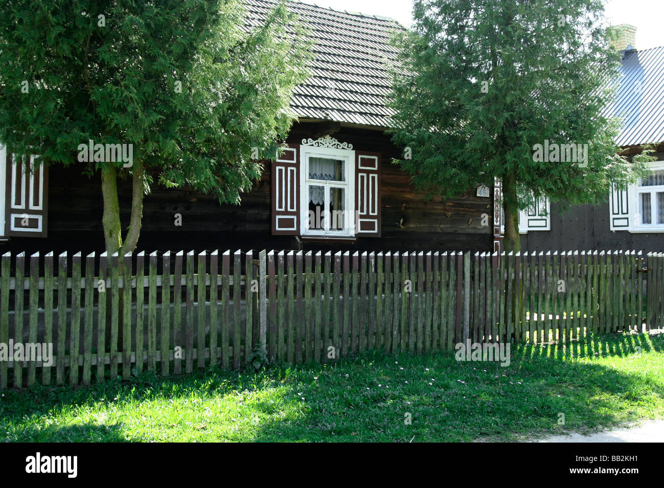Traditional wooden house in Soce village, Poland - Stock Image