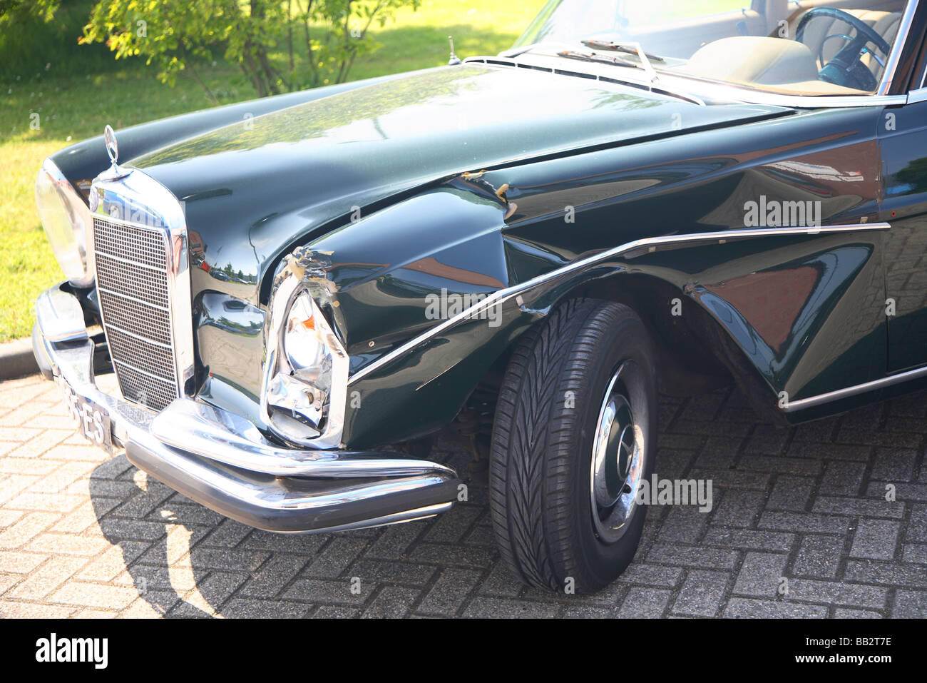 Old classic Mercedes Benz with car crash accident Stock Photo ...