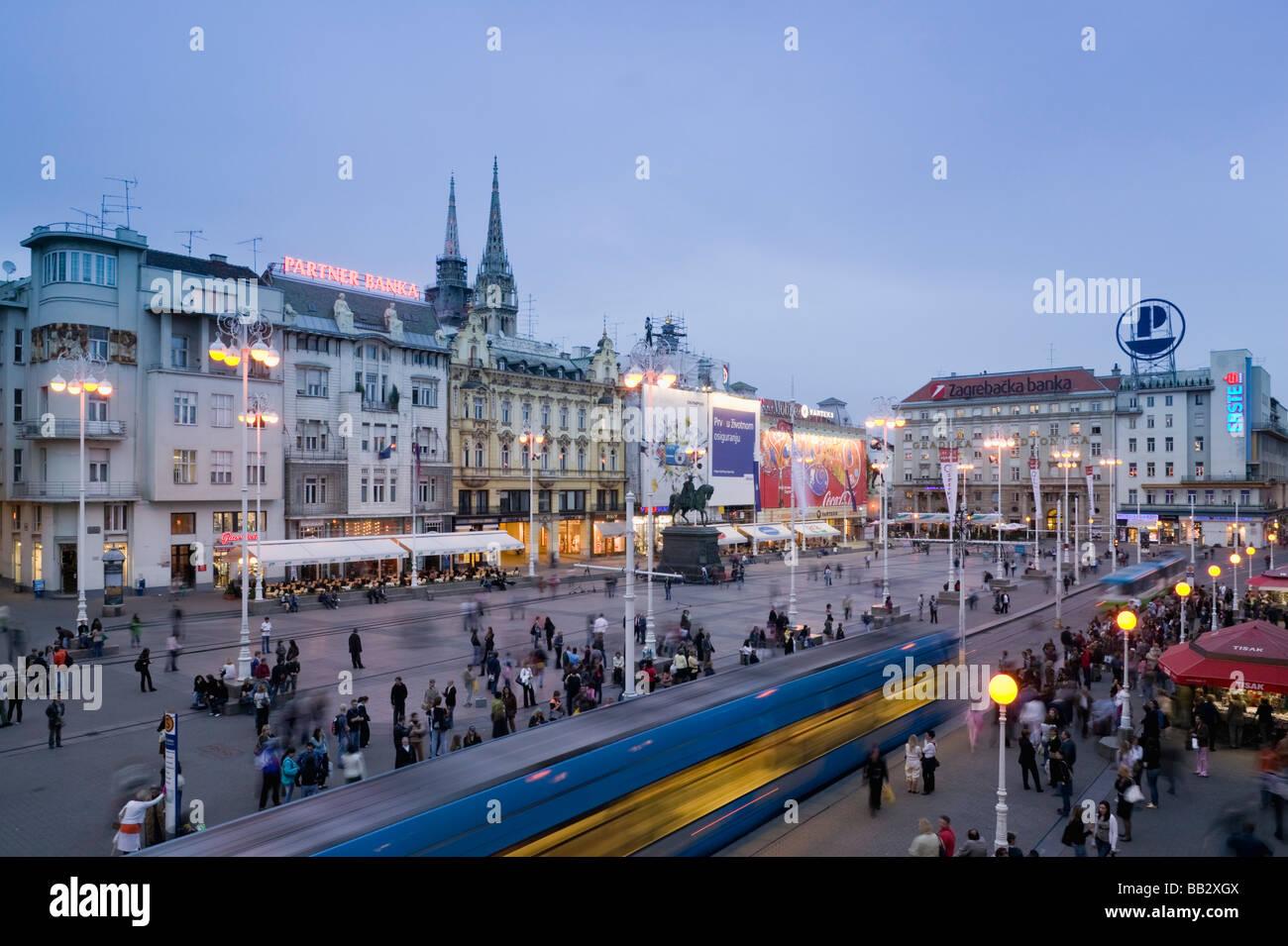 Croatia-Zagreb. Trg Josip Jelacica Square / Evening Rush Hour Stock Photo
