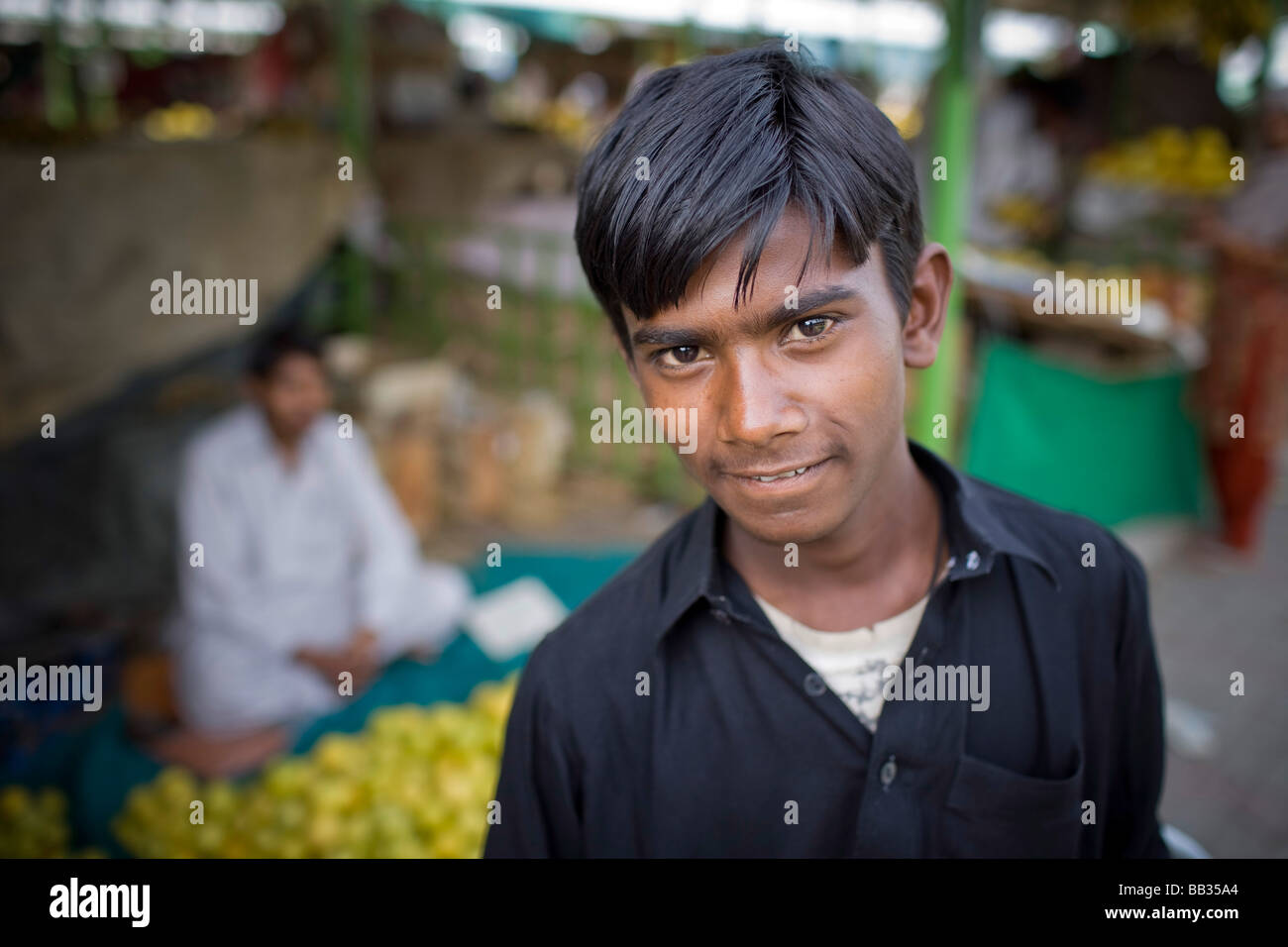Young man at the Itwar Bazar in Islamabad - Stock Image