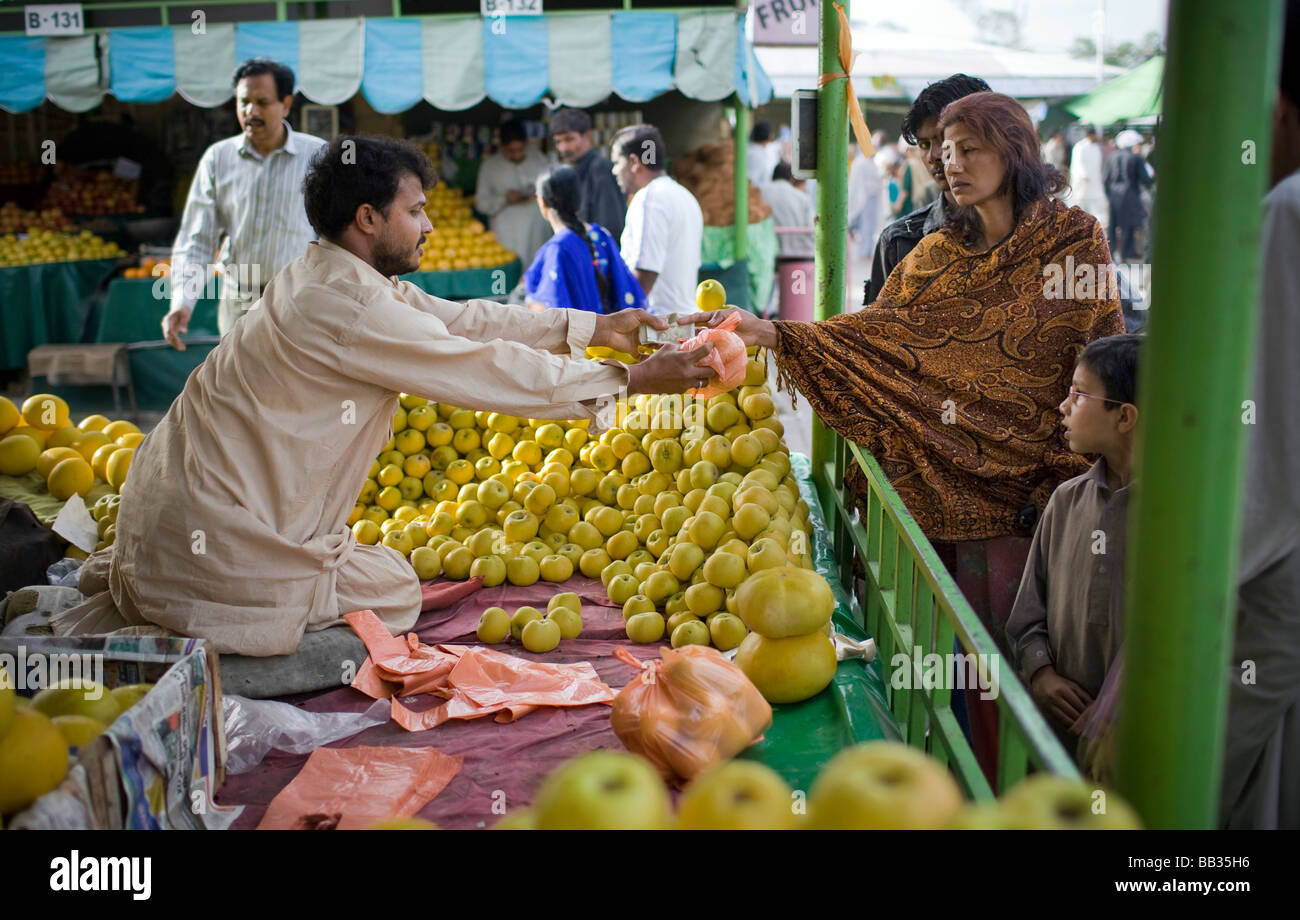 Itwar Bazar in Islamabad Pakistan - Stock Image