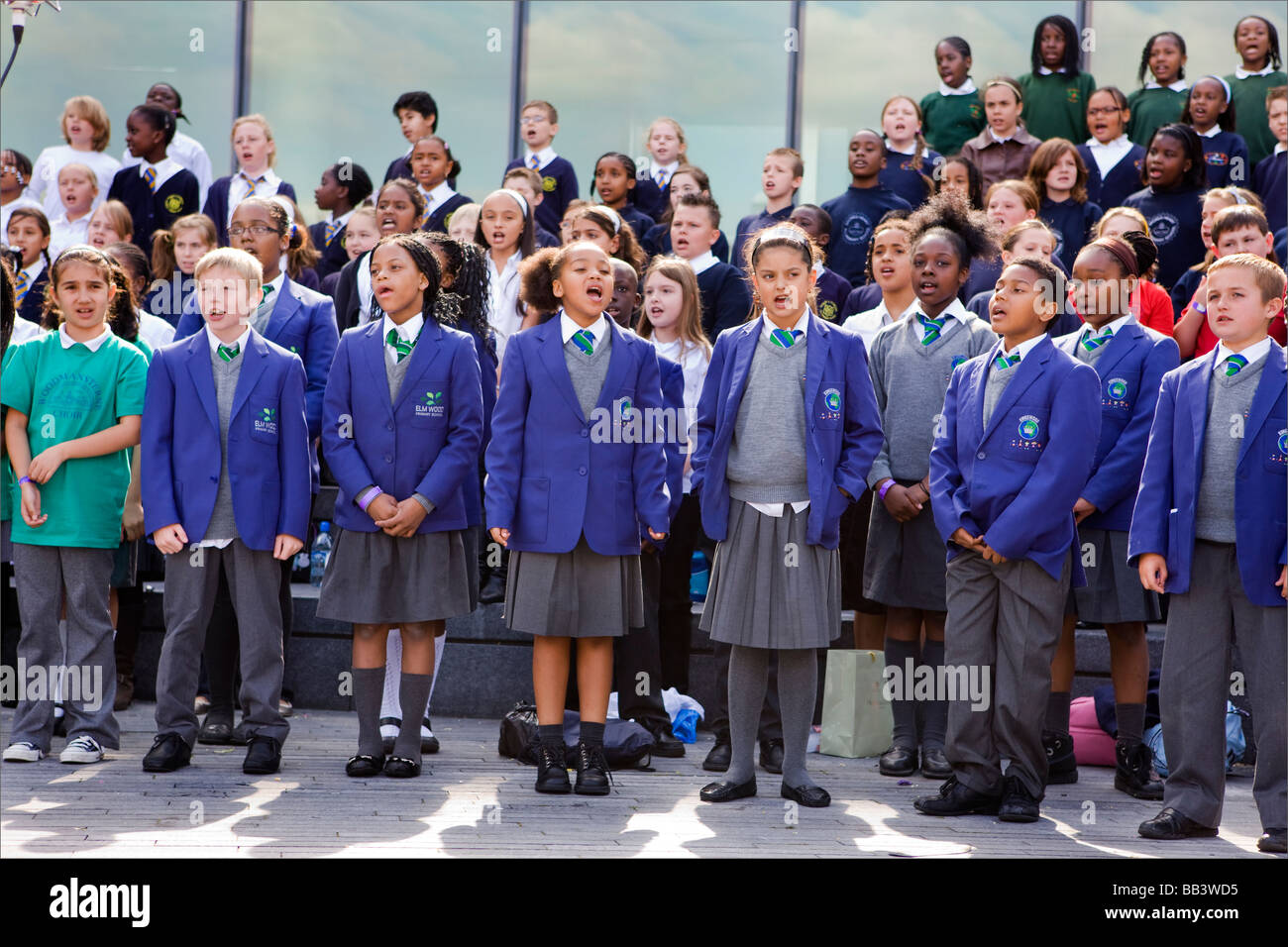 Schoolchildren singing at the Thames festival, London, UK - Stock Image
