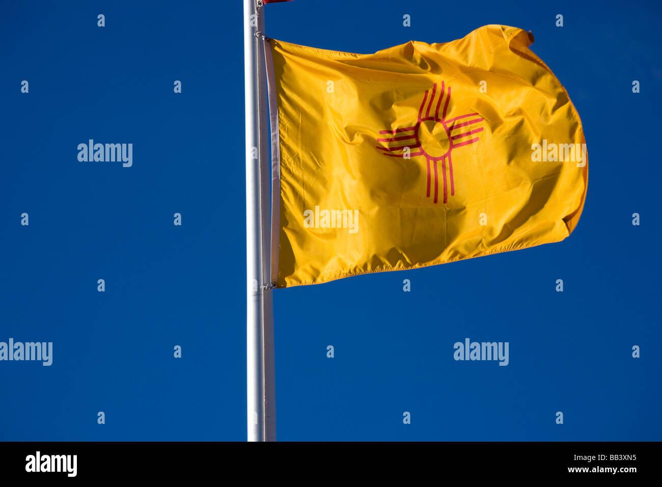 Na Usa New Mexico Santa Fe New Mexican State Flag Stock Photo Alamy