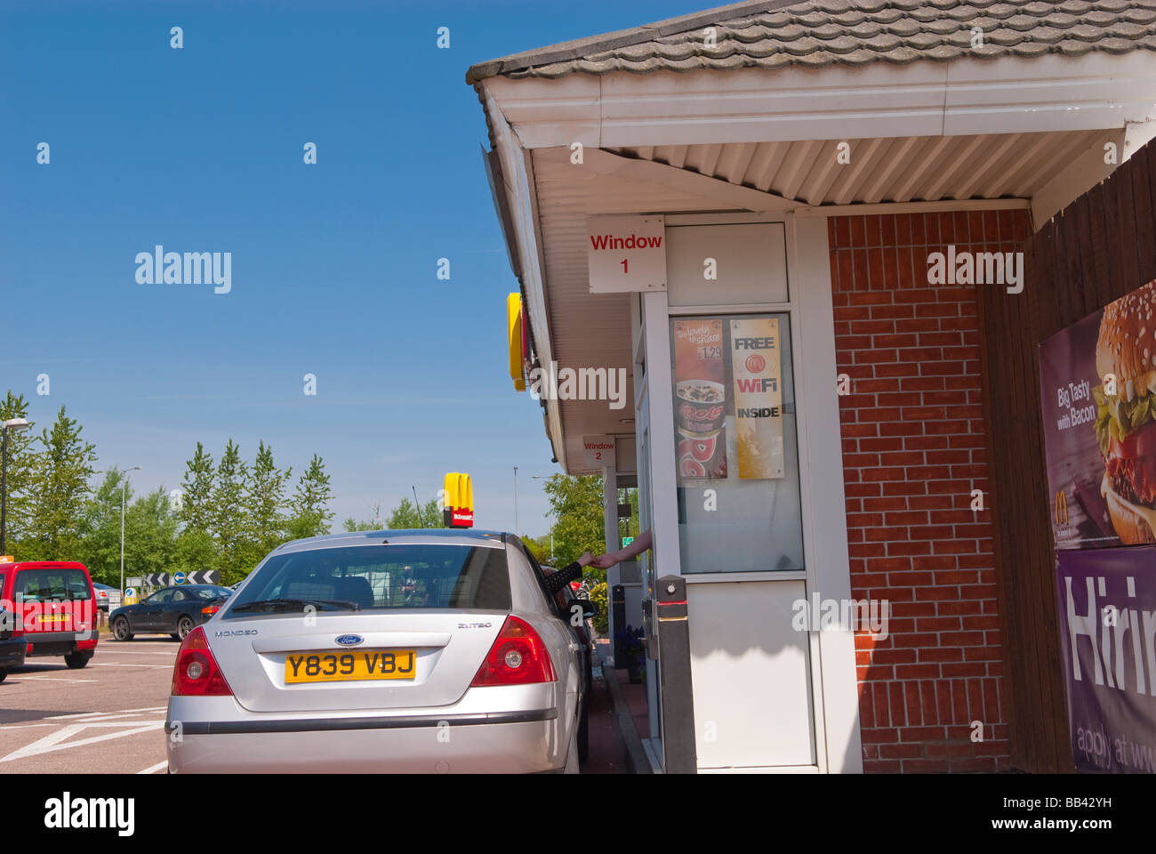 Car Mcdonalds Drive Through Restaurant Stock Photos & Car Mcdonalds ...