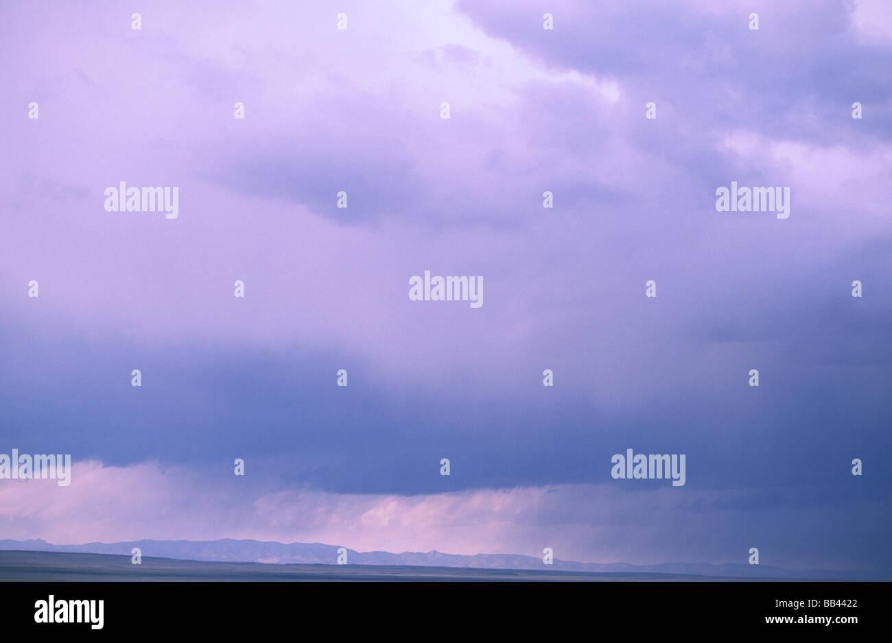 USA, Utah, Great Basin. Cumulonimbus clouds of spring thunderstorm. - Stock Image