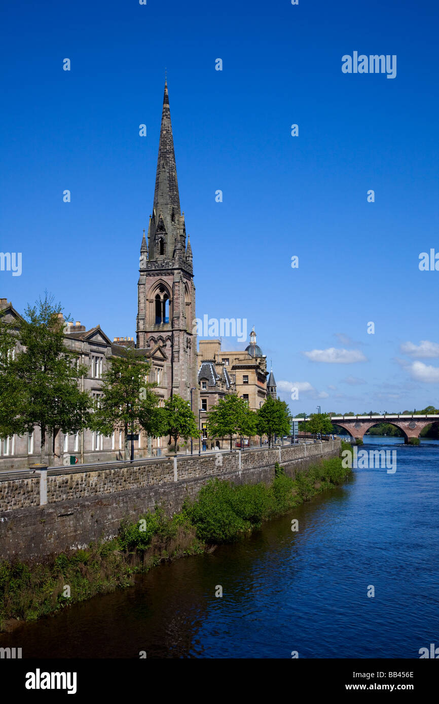 Tayside skyline with riverside view of St Matthew's Church, the River Tay bridge and the City of Perth, Perthshire, - Stock Image