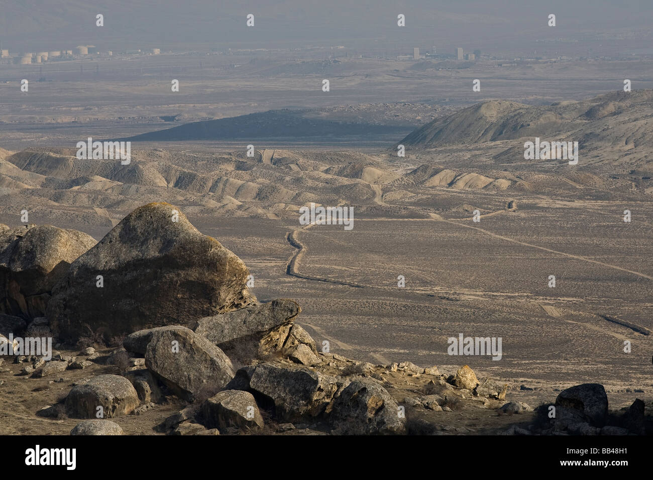 Barren landscape south of Qobustan, Azerbaijan. - Stock Image