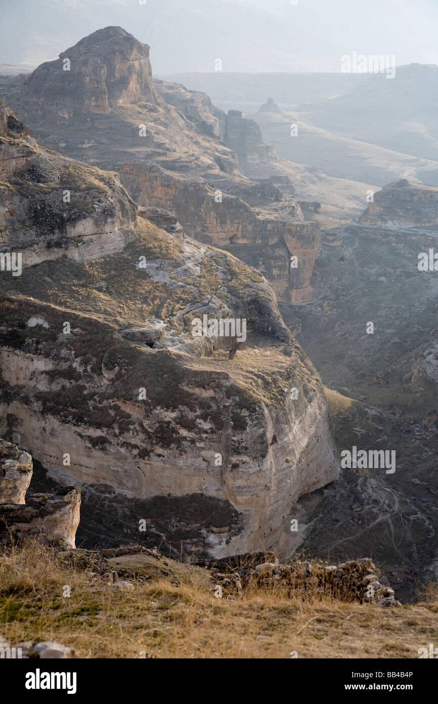 Mountains above Hasankeyf in Turkey. - Stock Image