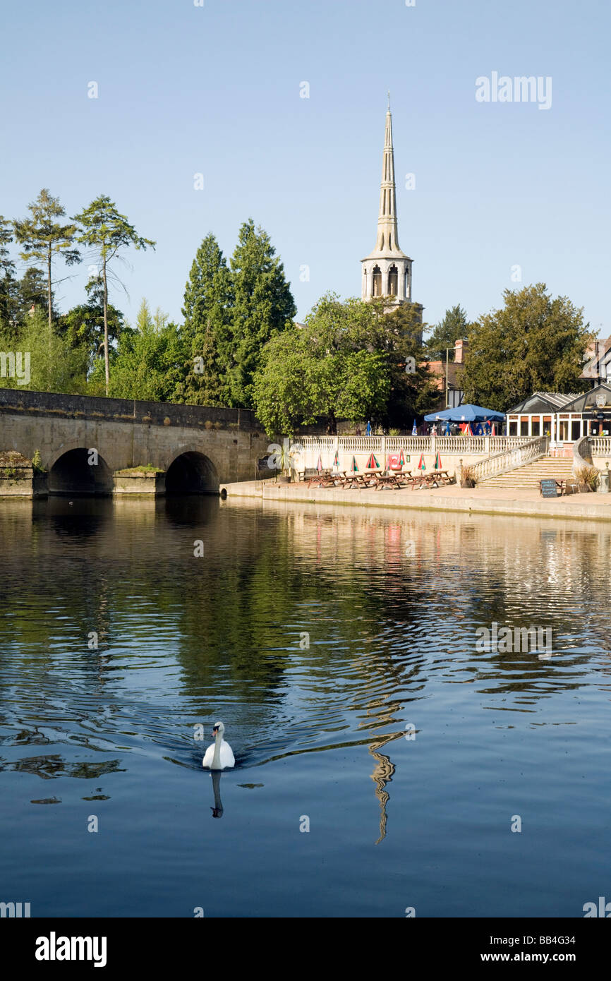 The river Thames and bridge at Wallingford, Oxfordshire, UK - Stock Image