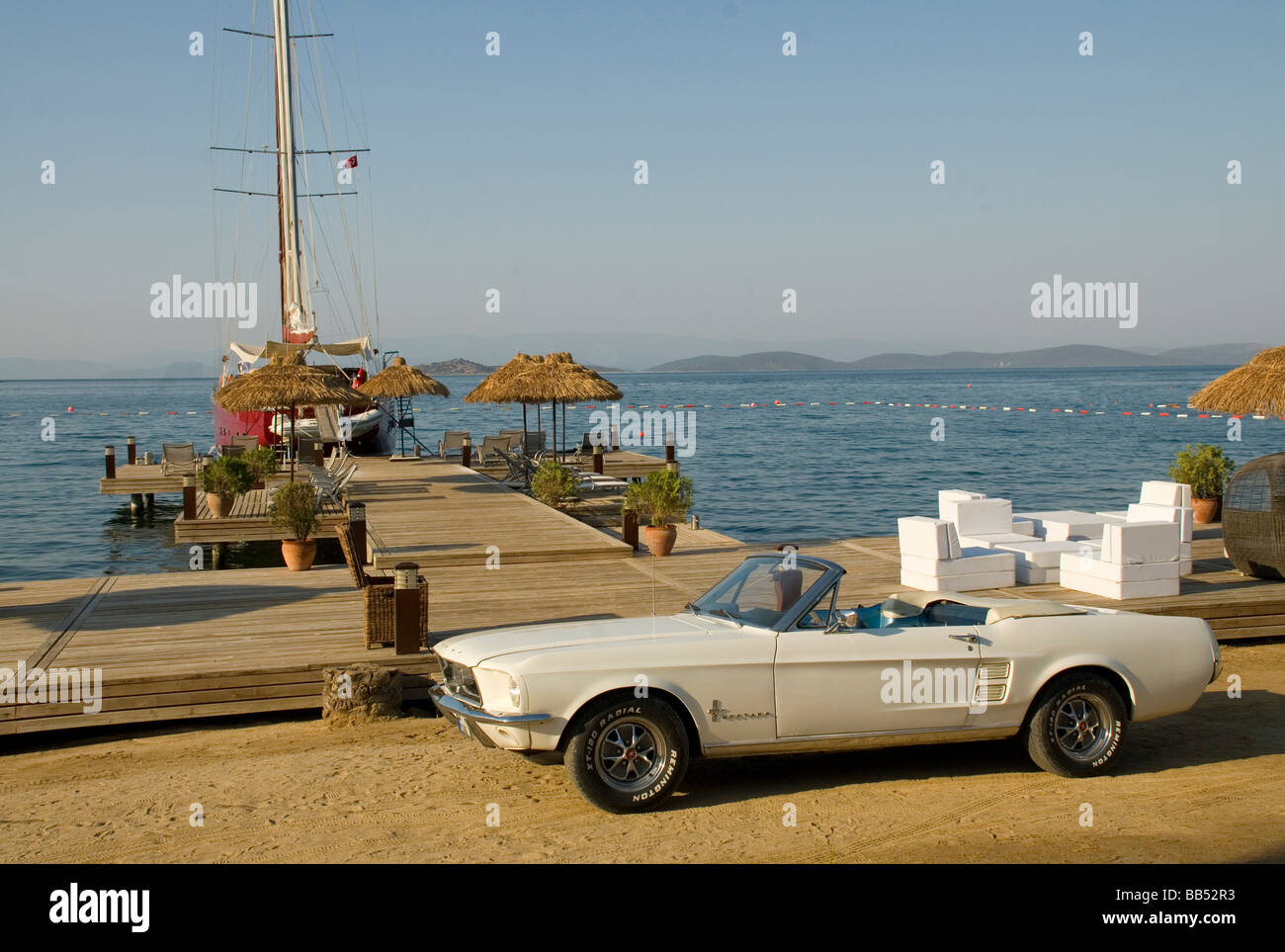 Ford Mustang 1964 Stock Photos Images Alamy Ltd Convertible At The Seaside Image