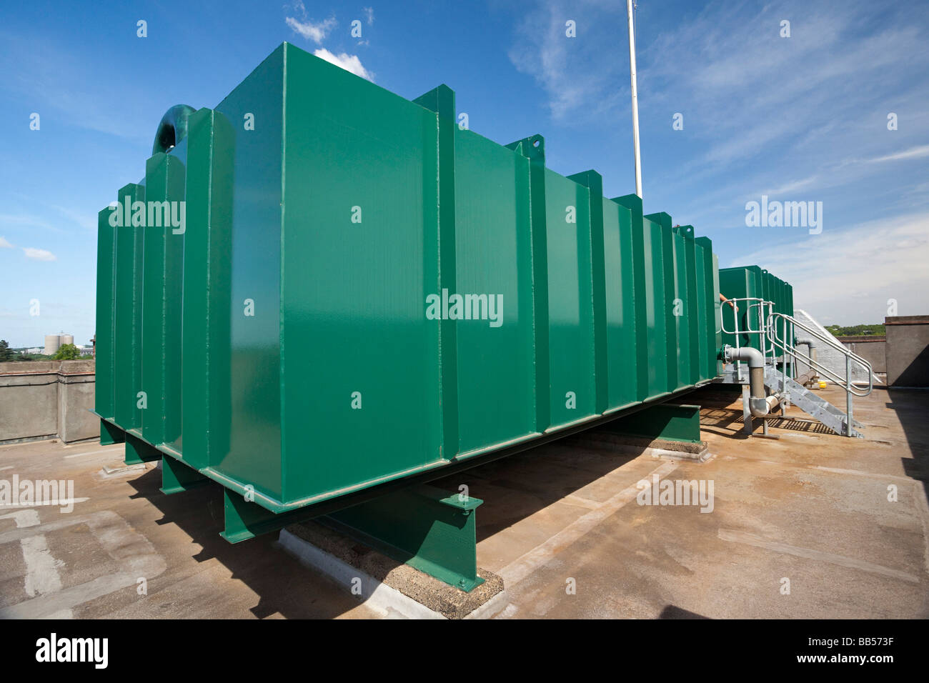 water storage tank on top of a building & water storage tank on top of a building Stock Photo: 24086931 - Alamy