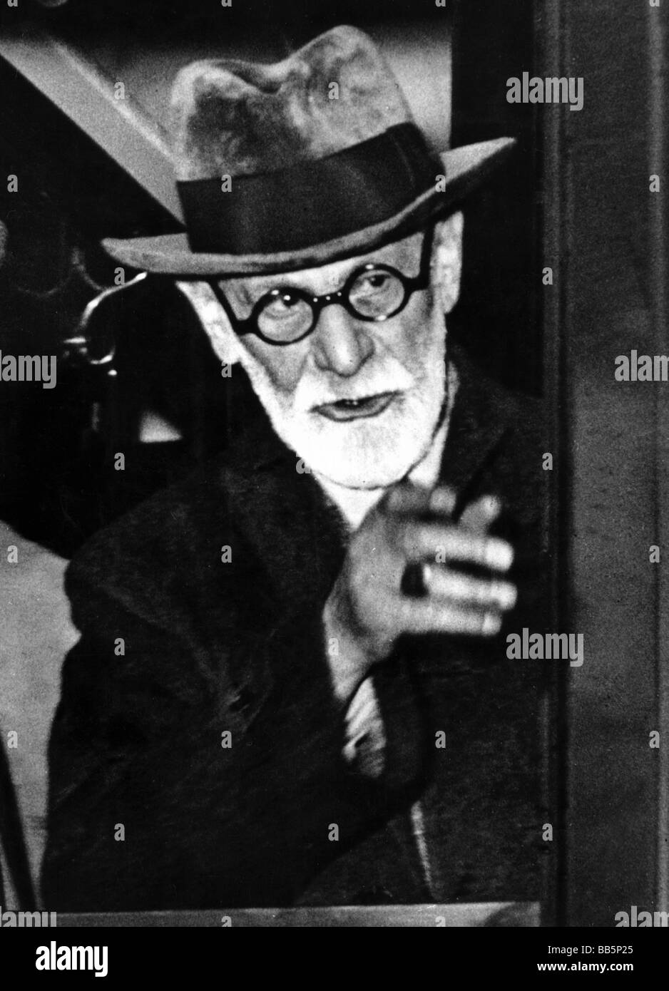 Freud, Sigmund, 6.5.1856 - 23.9.1939, Austrian physician, founder of the psychoanalytic school of psychology, as - Stock Image