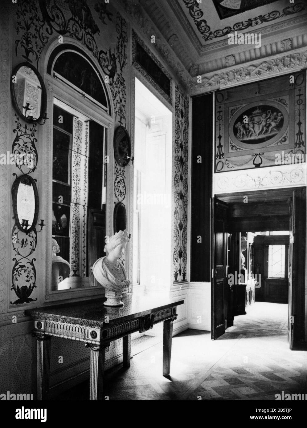 geography / travel, Germany, Woerlitz, castle, interior view, bed room of the Duchess, circa 1910, Additional-Rights - Stock Image