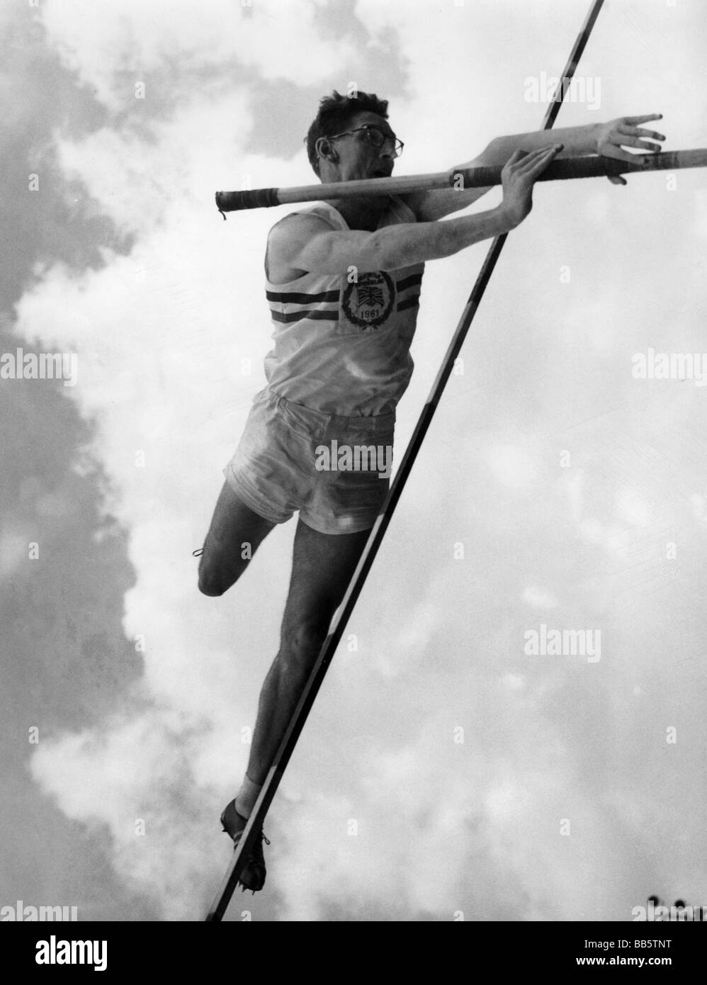 sports, athletic, pole vault, vaulter during jump, White City Stadium, London, 1961, Additional-Rights-Clearances - Stock Image