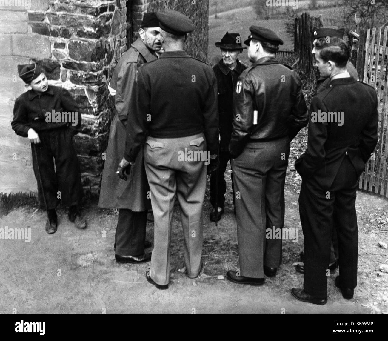 events, Second World War / WWII, war crimes, Malmedy massacre, 17.12.1944, survivors and witnesses at the site, - Stock Image