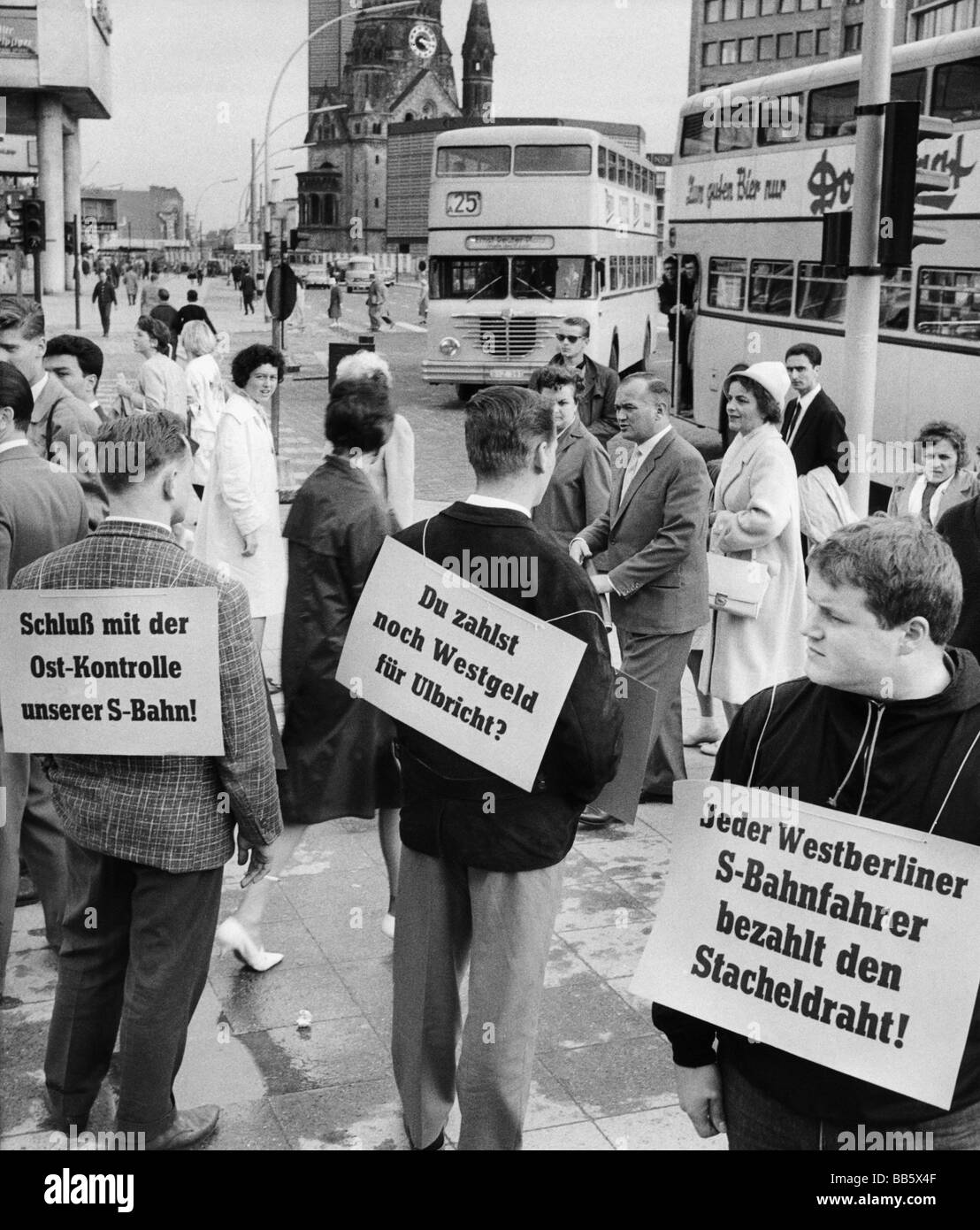 geography / travel, Germany, Berlin, politics, demonstration, boycott of the S-Bahn unter East German administration, Stock Photo