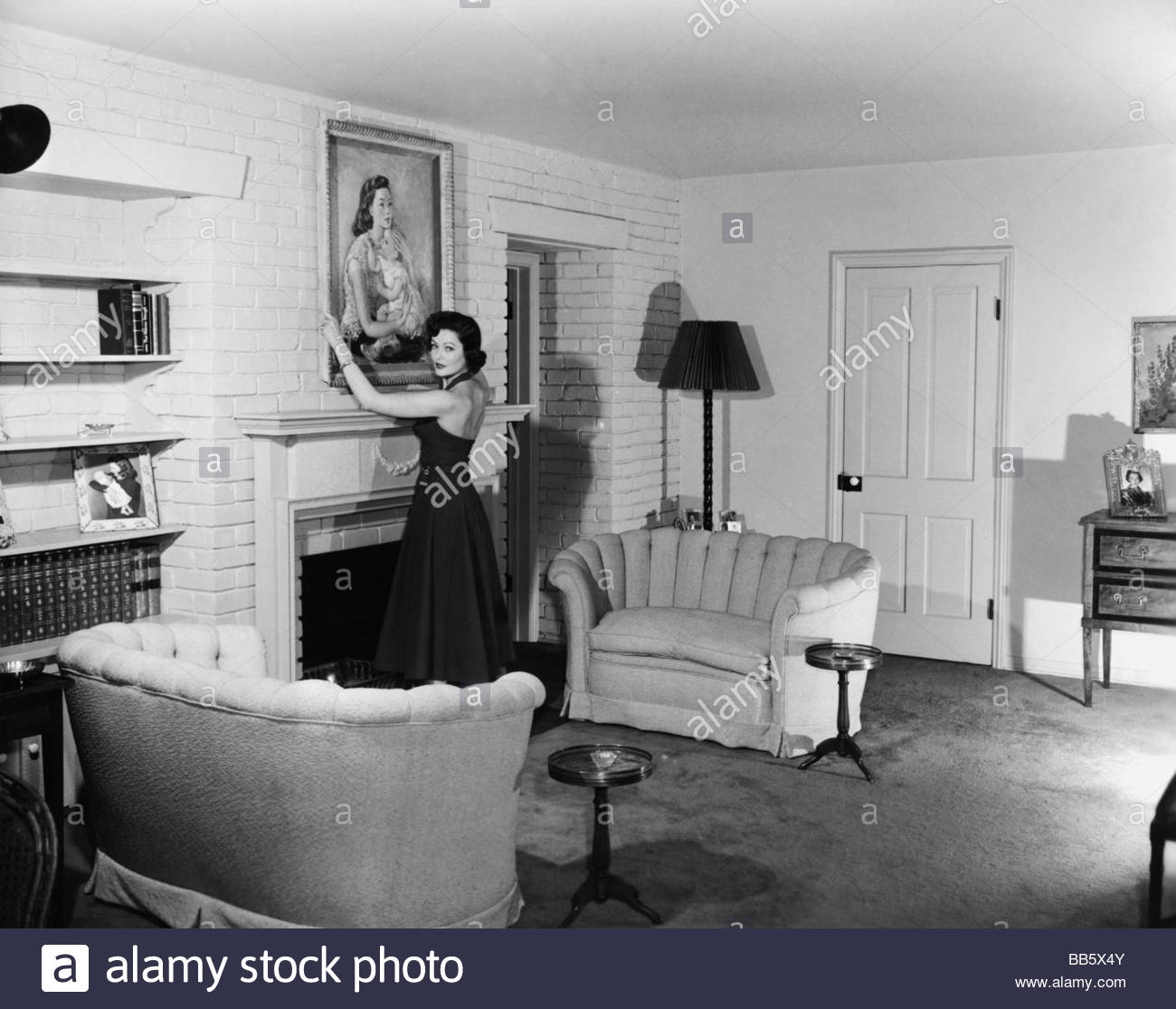 Exceptional Tierney, Gene, 19.11.1920   6.11.1991, American Actress, Half Length,  Homestory, 1950s, Private, At Home, Living Room, Salon, Pa