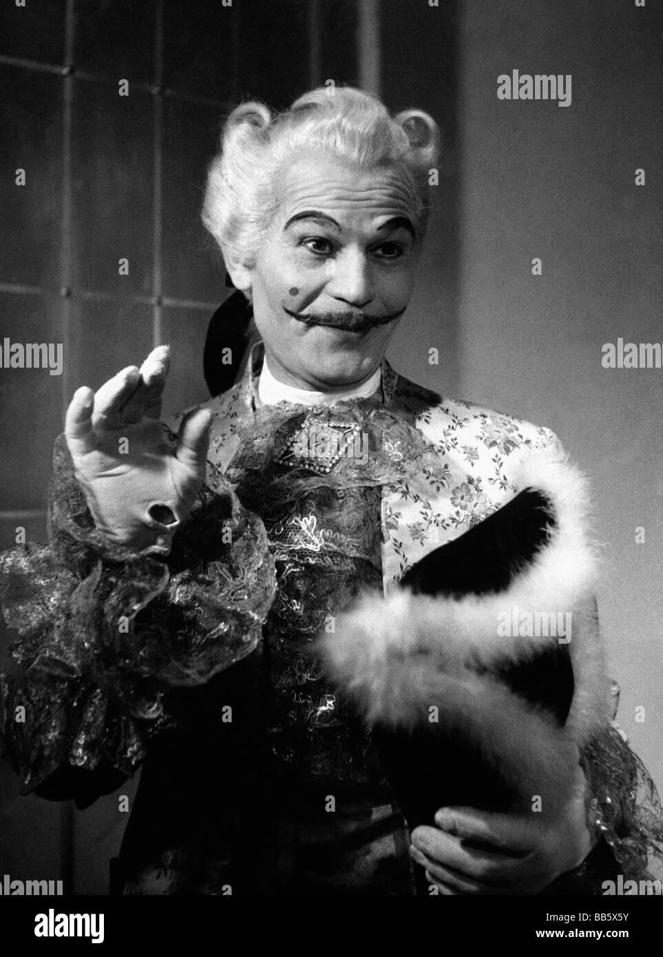 Deltgen, Rene, 30.4.1909 - 29.1.1979, Luxembourgian actor, half length, in the theatre play 'Minna von Barnhelm', - Stock Image