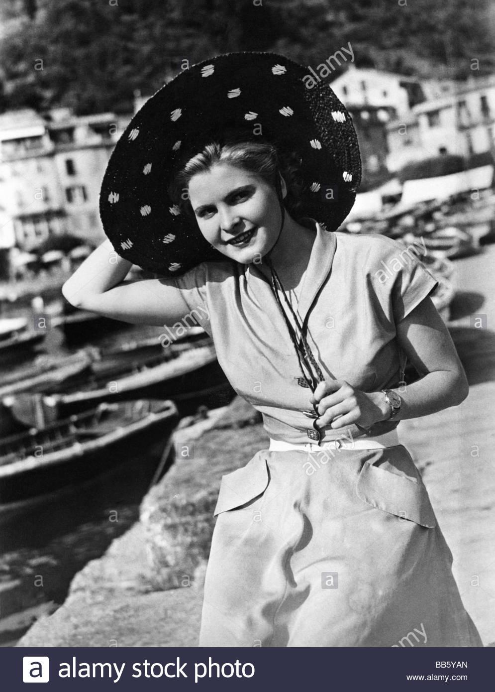 Almassy, Susanna von, 15.6.1916 - 16.2.2009, Austrian actress,