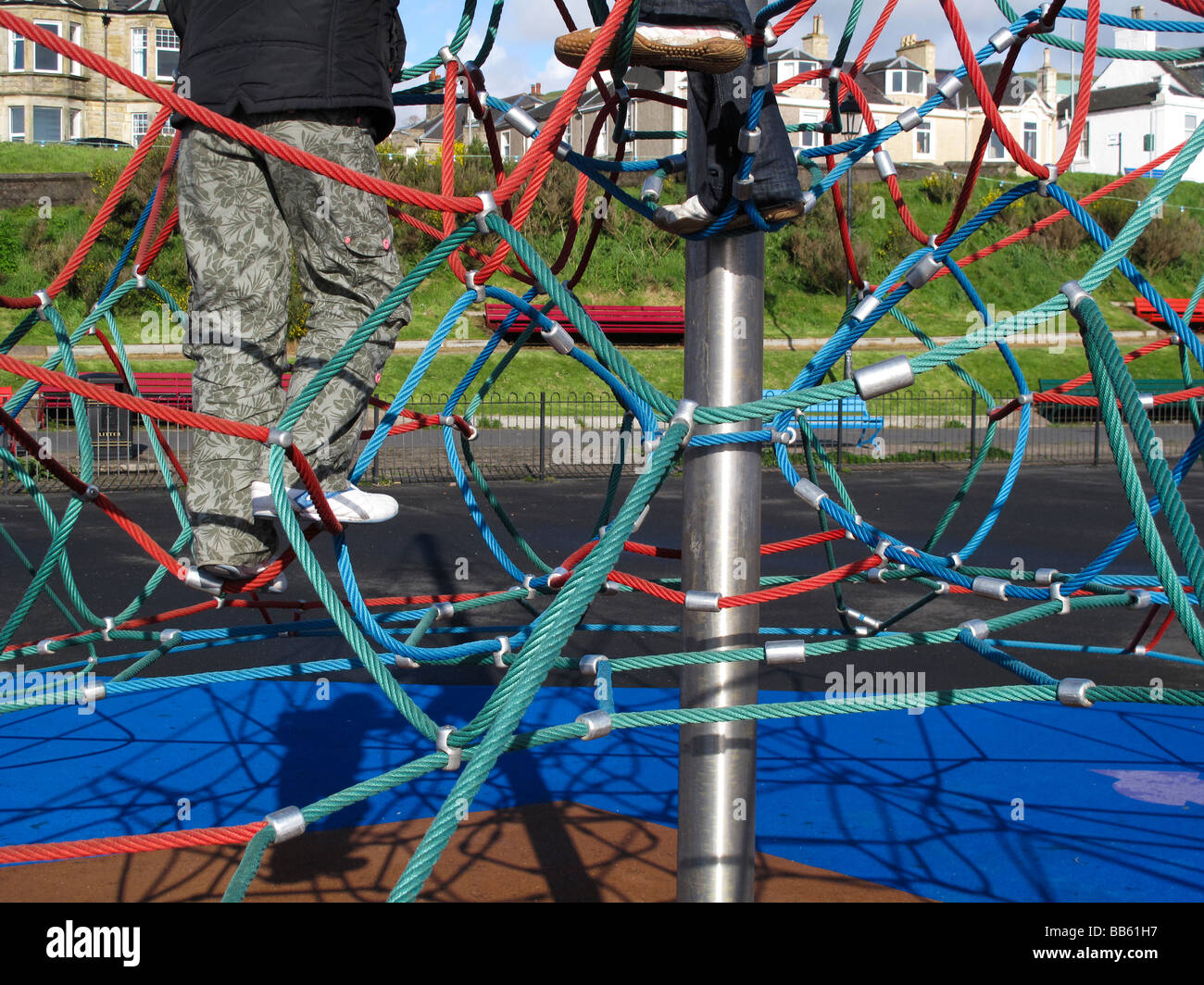 Rope Climbing Frame Stock Photos & Rope Climbing Frame Stock Images ...