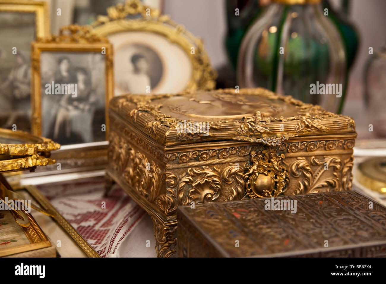 Antique Jewelry Stock Photos Antique Jewelry Stock Images Alamy