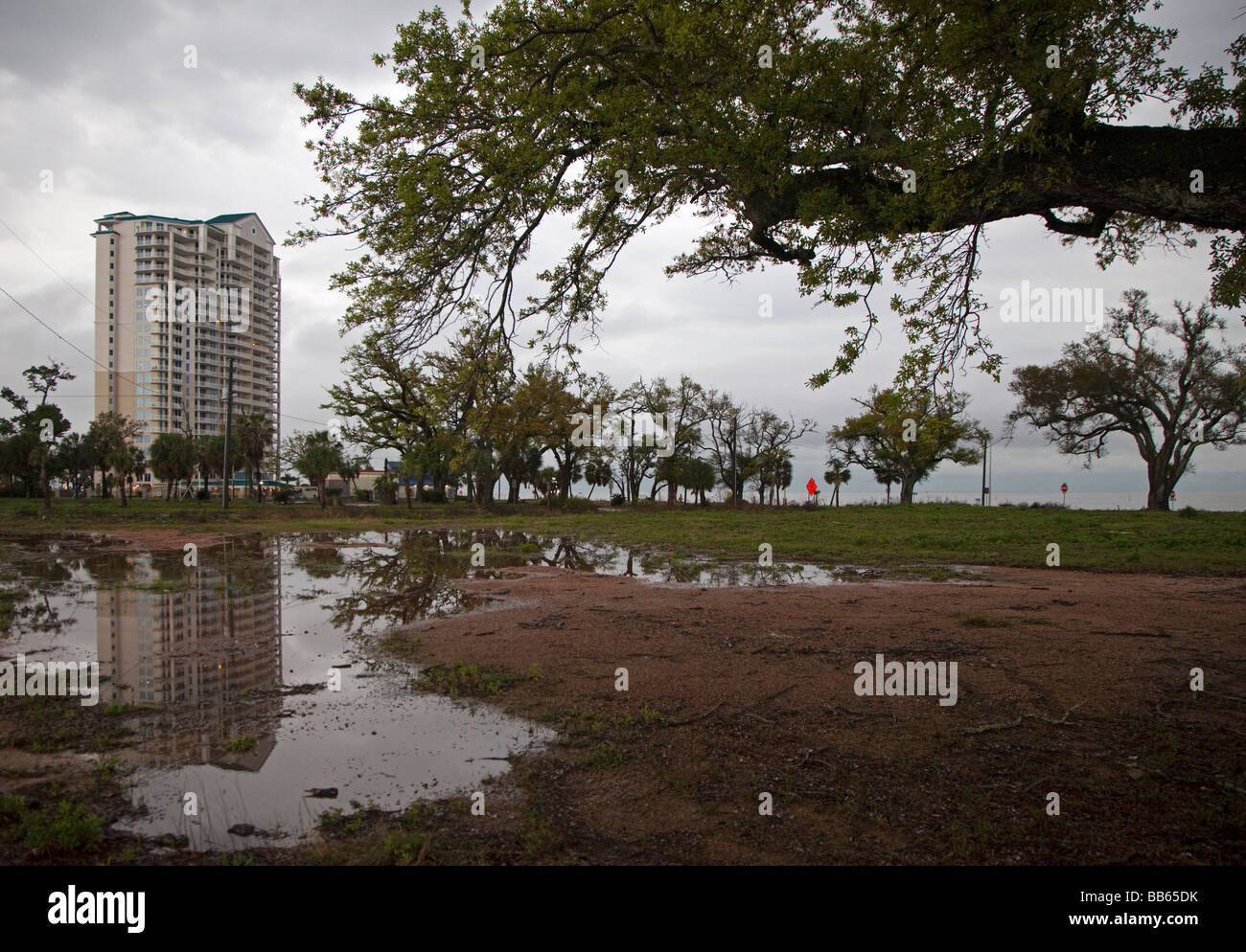 High rise condominiums replace homes and small businesses on coast after Hurricane Katrina - Stock Image