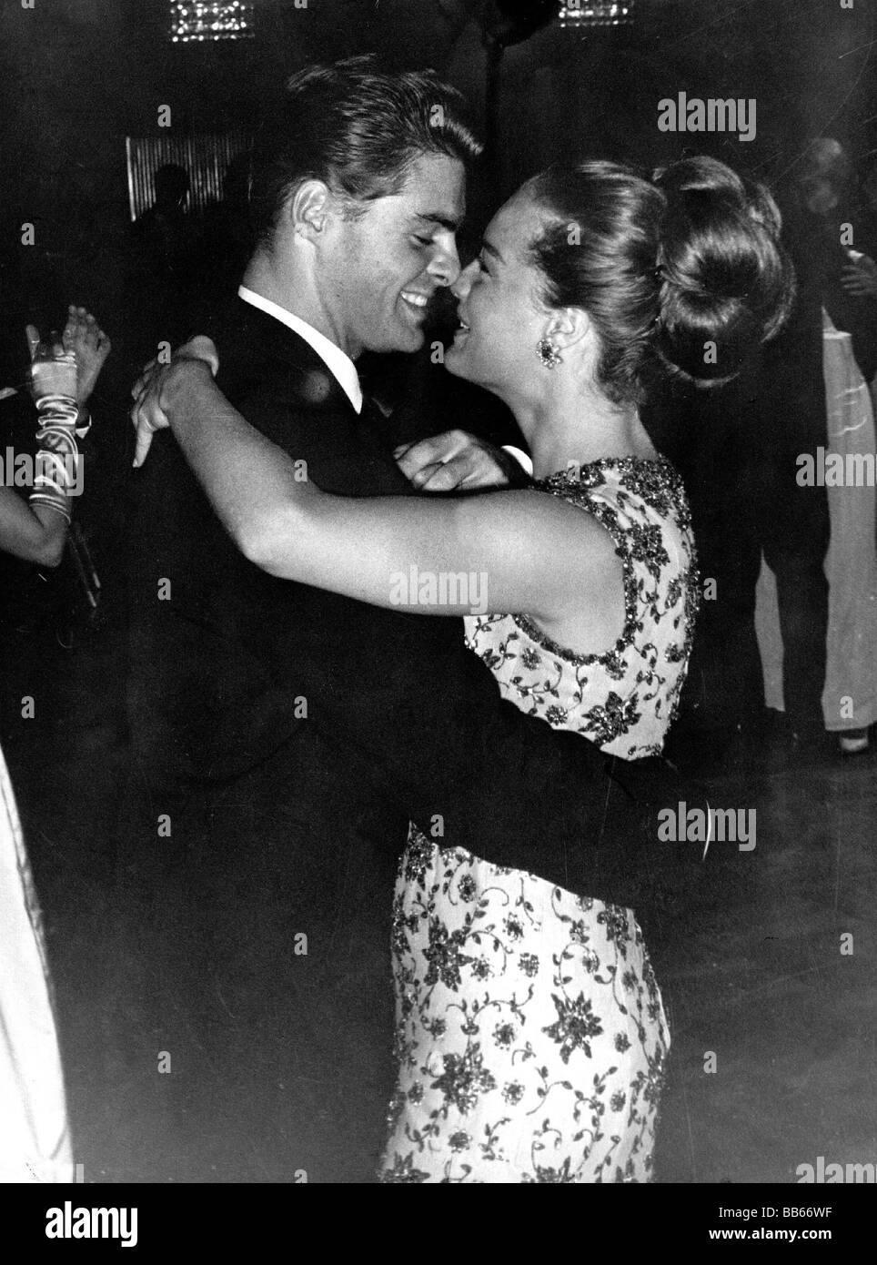 Schneider, Romy, 23.9.1938 - 29.5.1982, German actress, half length, with her brother Wolfgang Albach-Retty, dancing, - Stock Image