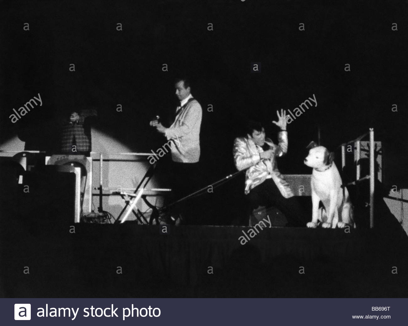 Presley, Elvis, 8.1.1935 - 16.8.1977, American singer and actor, performance, circa 1957, music, musician, stage, - Stock Image