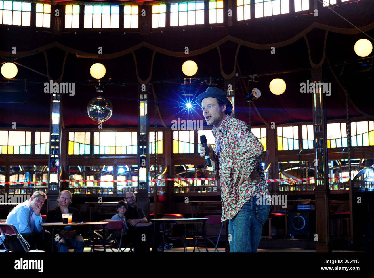 Writer and comedian andrew clover performs in the parlure spiegeltent during brighton festival 2009 - Stock Image