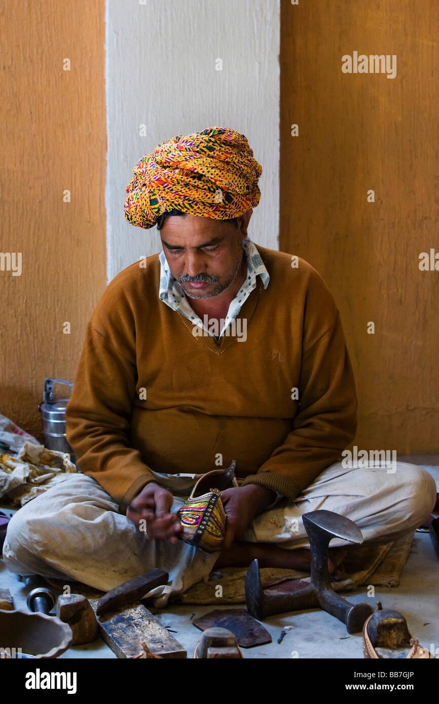 Indian shoemaker, North India, India, Asia - Stock Image