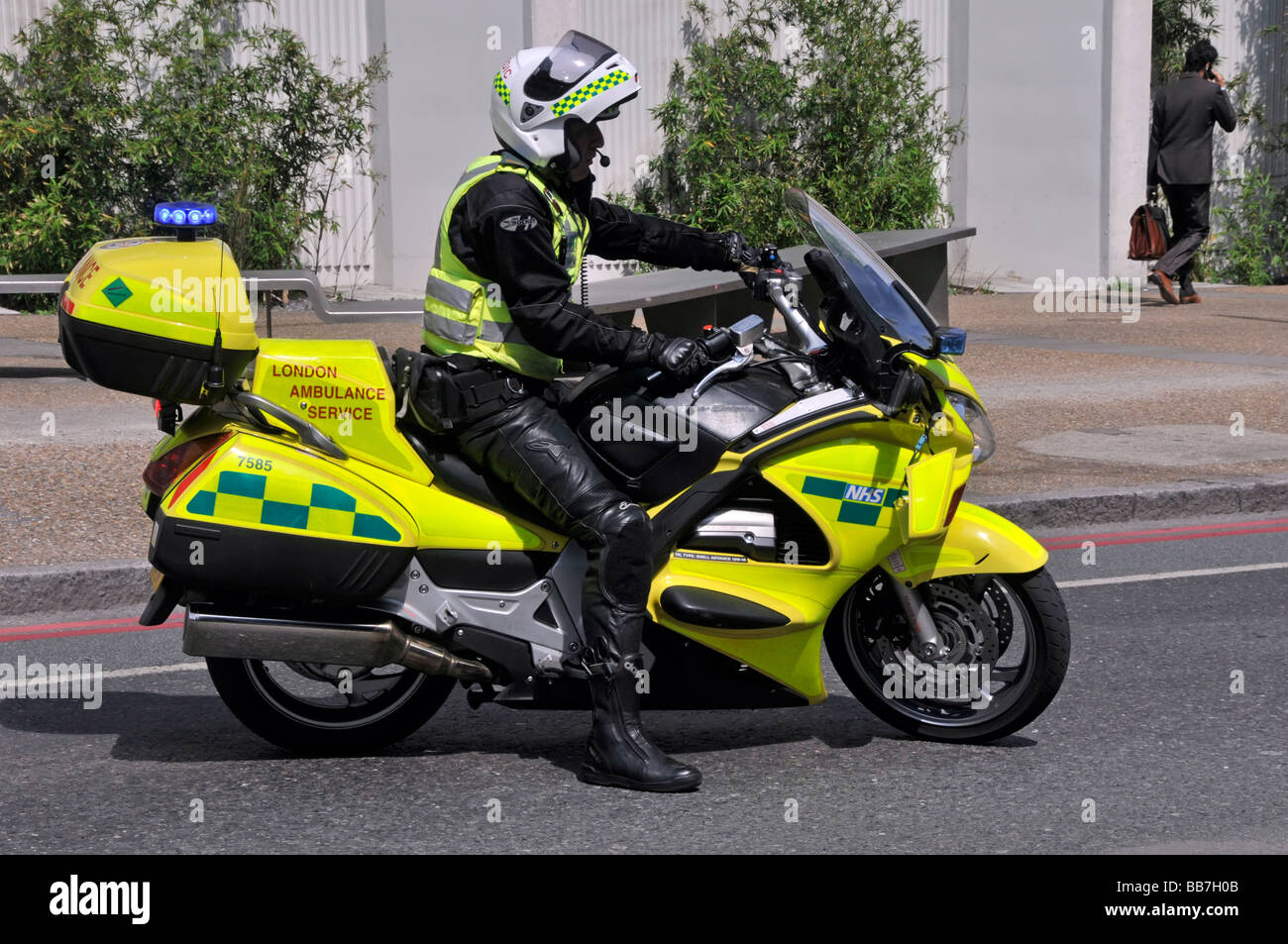 London Ambulance Service paramedic on motorbike - Stock Image