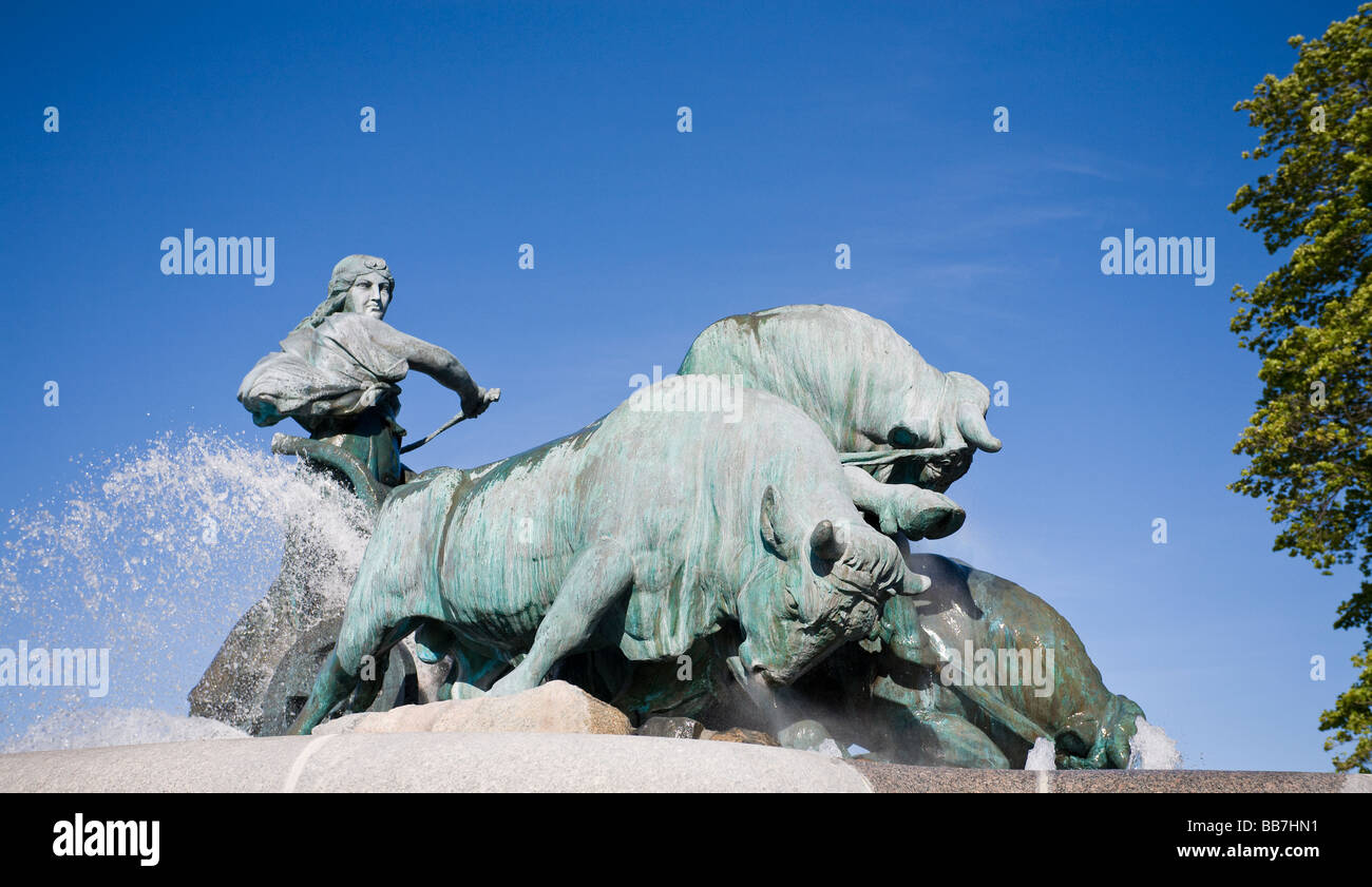 Creating Zealand: the Gefion fountain. Bulls being driven by Norse goddess, Gefjun a key part of the creation myth - Stock Image