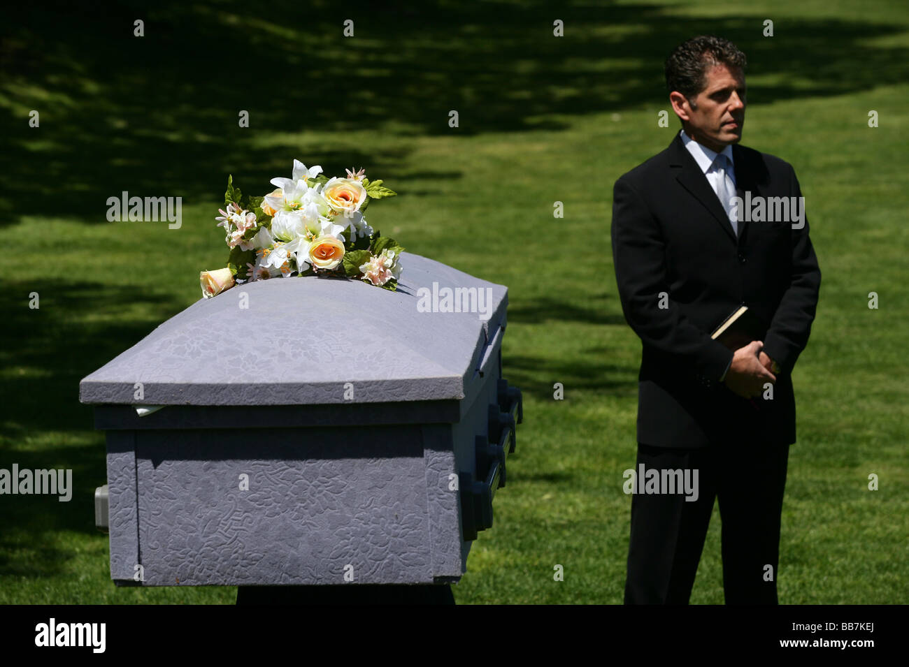 A teachers conducts a mock funeral at a high school to teach teens the dangers of drunk driving. CT USA - Stock Image