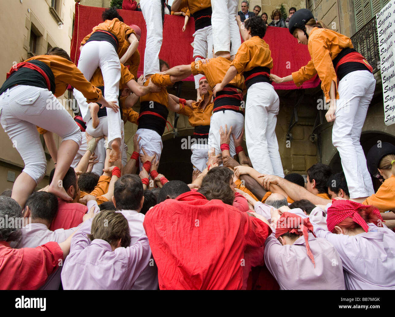 Spain.Vic.Traditional party of Castellers. - Stock Image