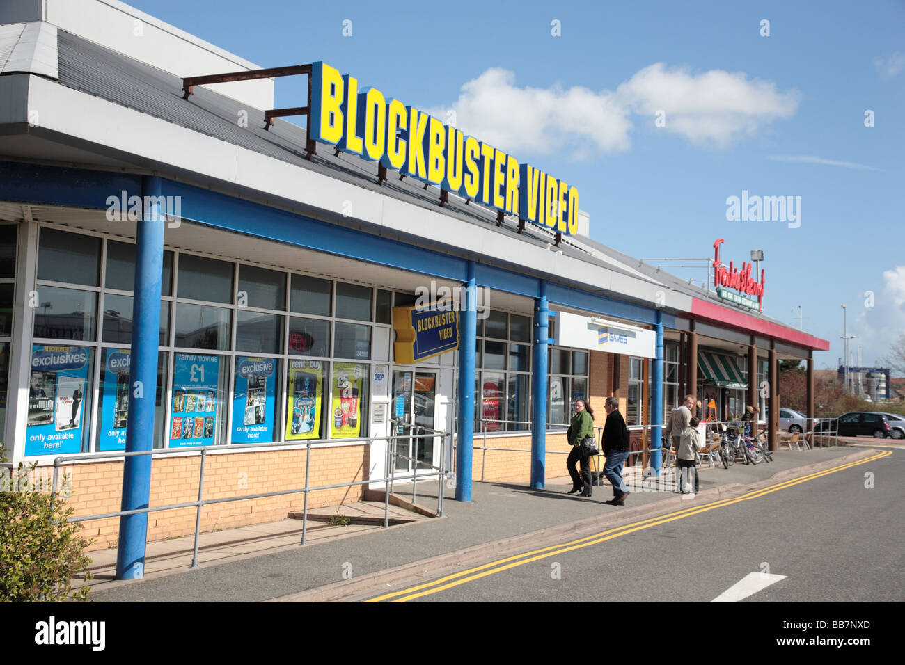 blockbuster video store stock photos blockbuster video store stock images alamy. Black Bedroom Furniture Sets. Home Design Ideas