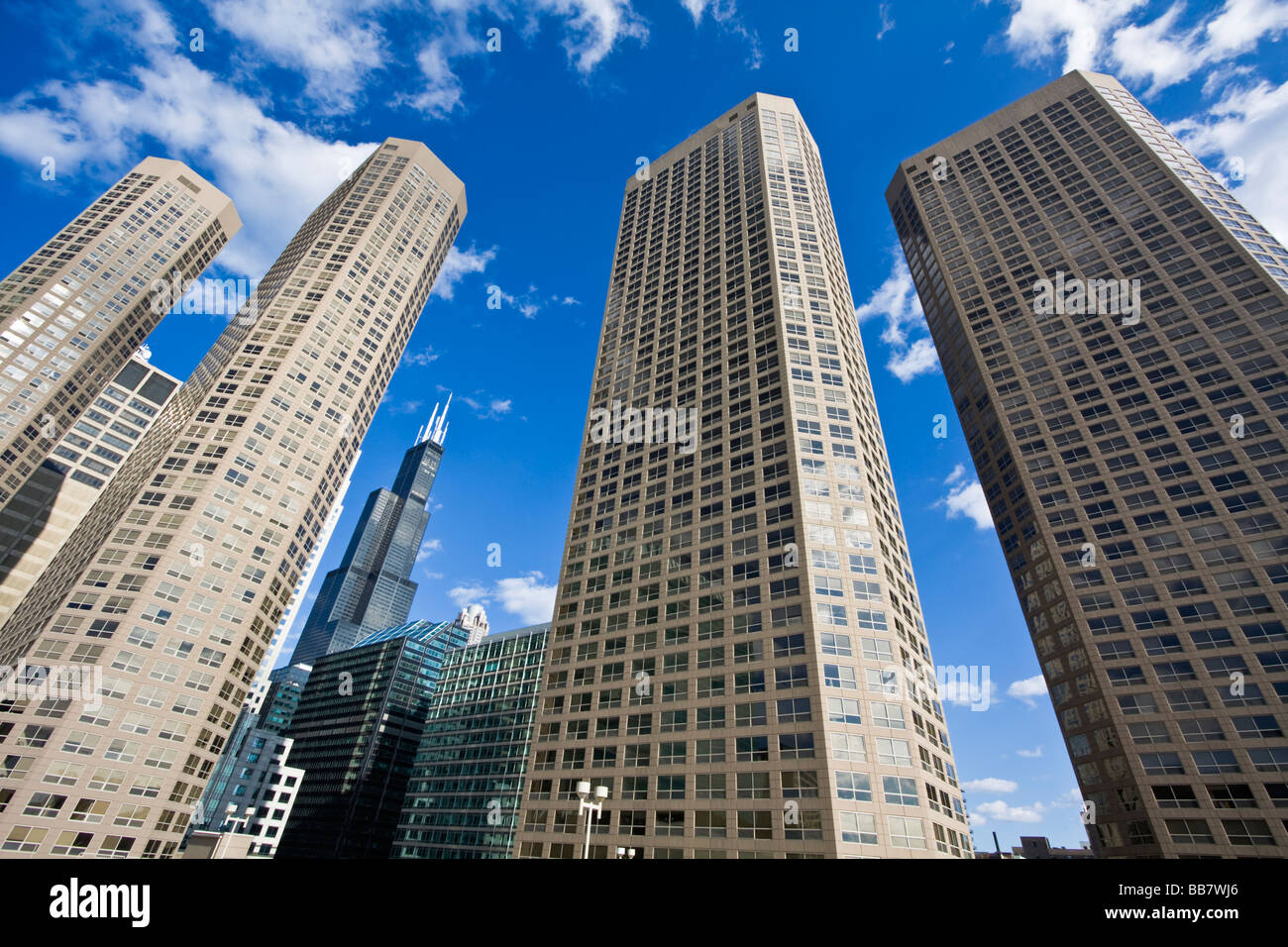 apartment buildings in chicago il stock photo 24145358 alamy