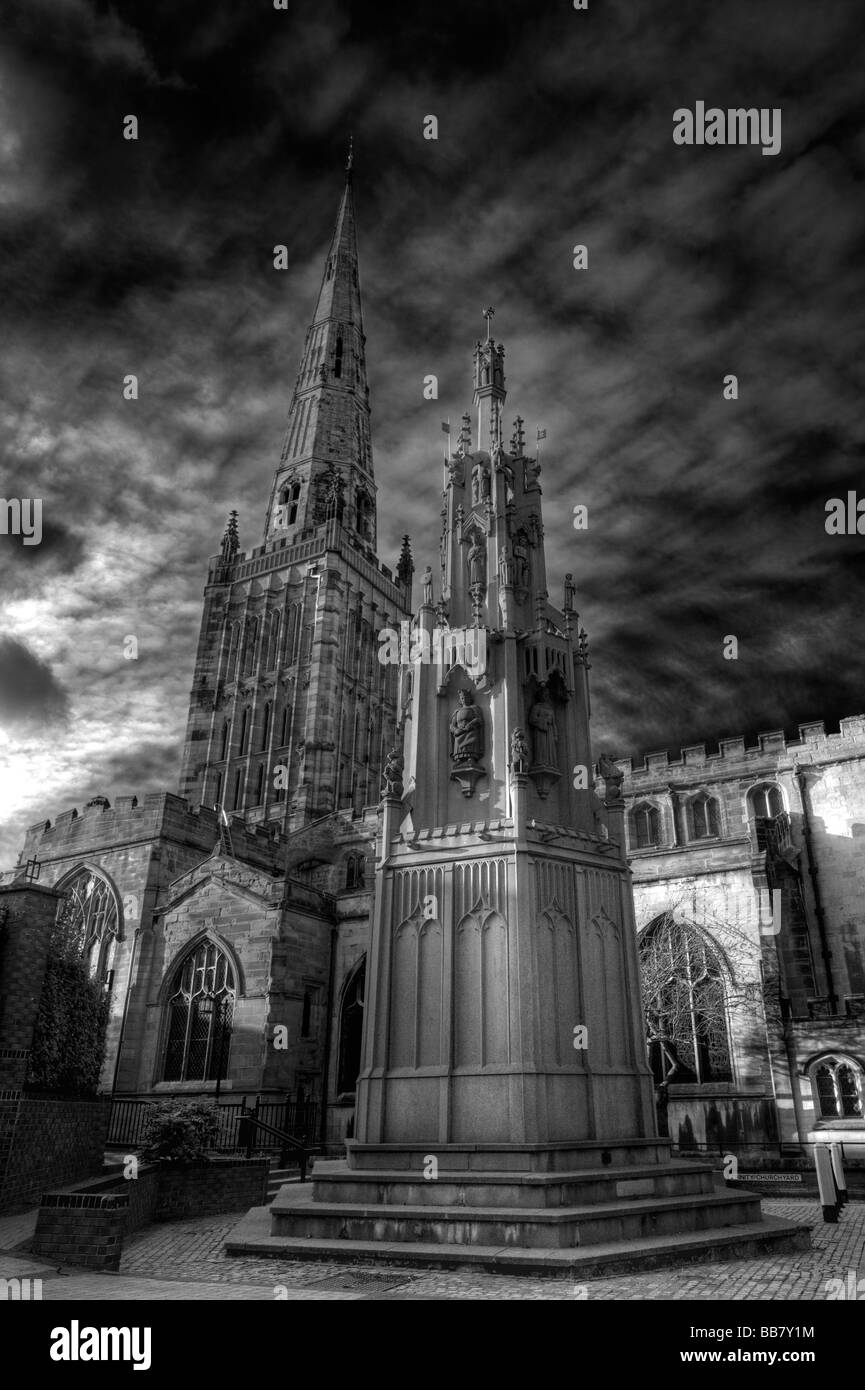 Holy Trinity Church in Coventry at night, Coventry, West Midlands of England, United Kingdom - Stock Image