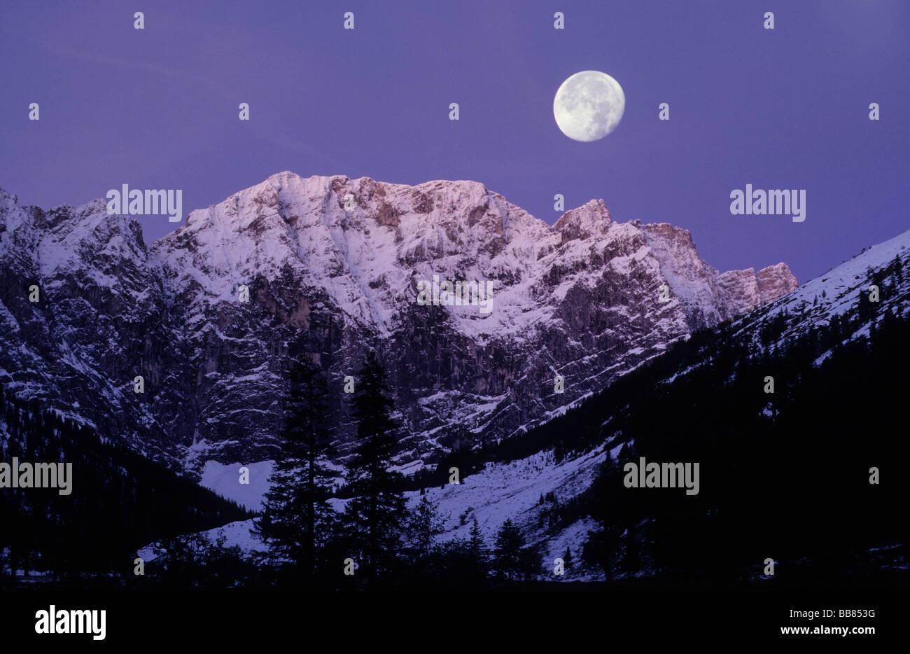 Karwendel Range in morning light, full moon, Eng, Tyrol, Austria, Europe - Stock Image