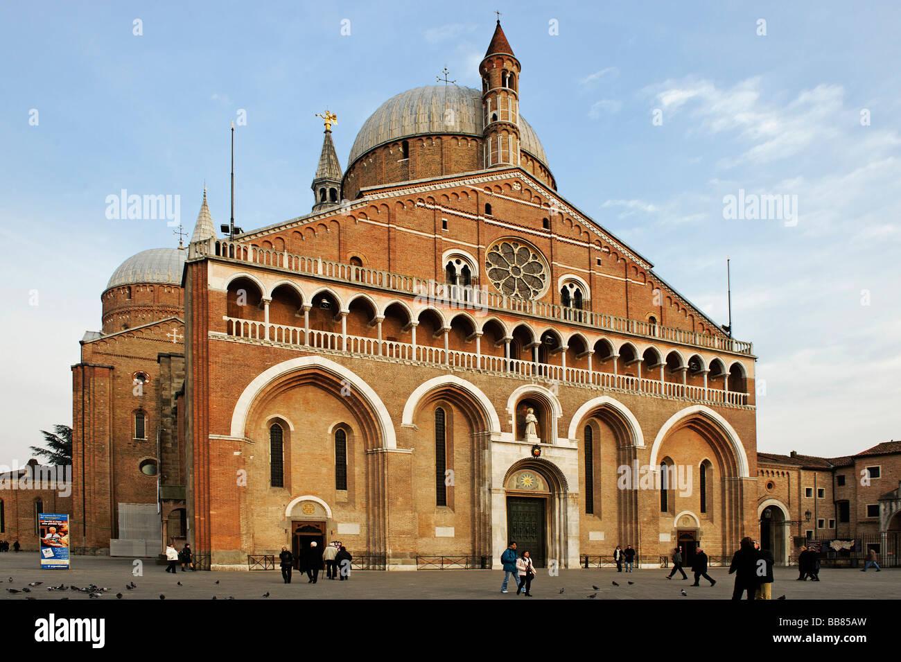Western front with main gate, Basilica of Saint Anthony, Padua, Veneto, Italy, Europe - Stock Image