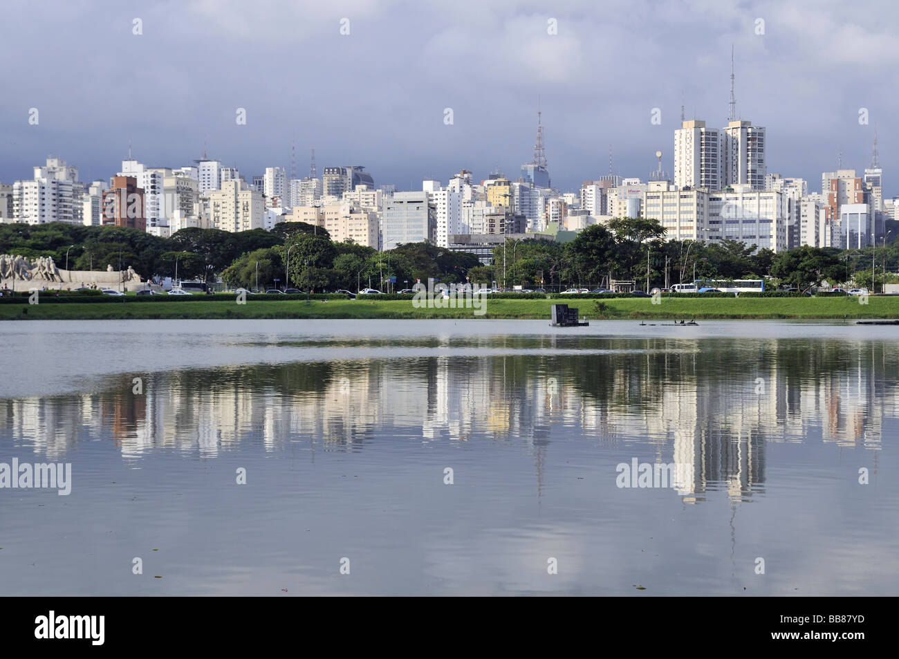 View from the Parque de Ibirapuera park on the high-rise buildings of the Zona Sul, Sao Paulo, Brazil, South America - Stock Image