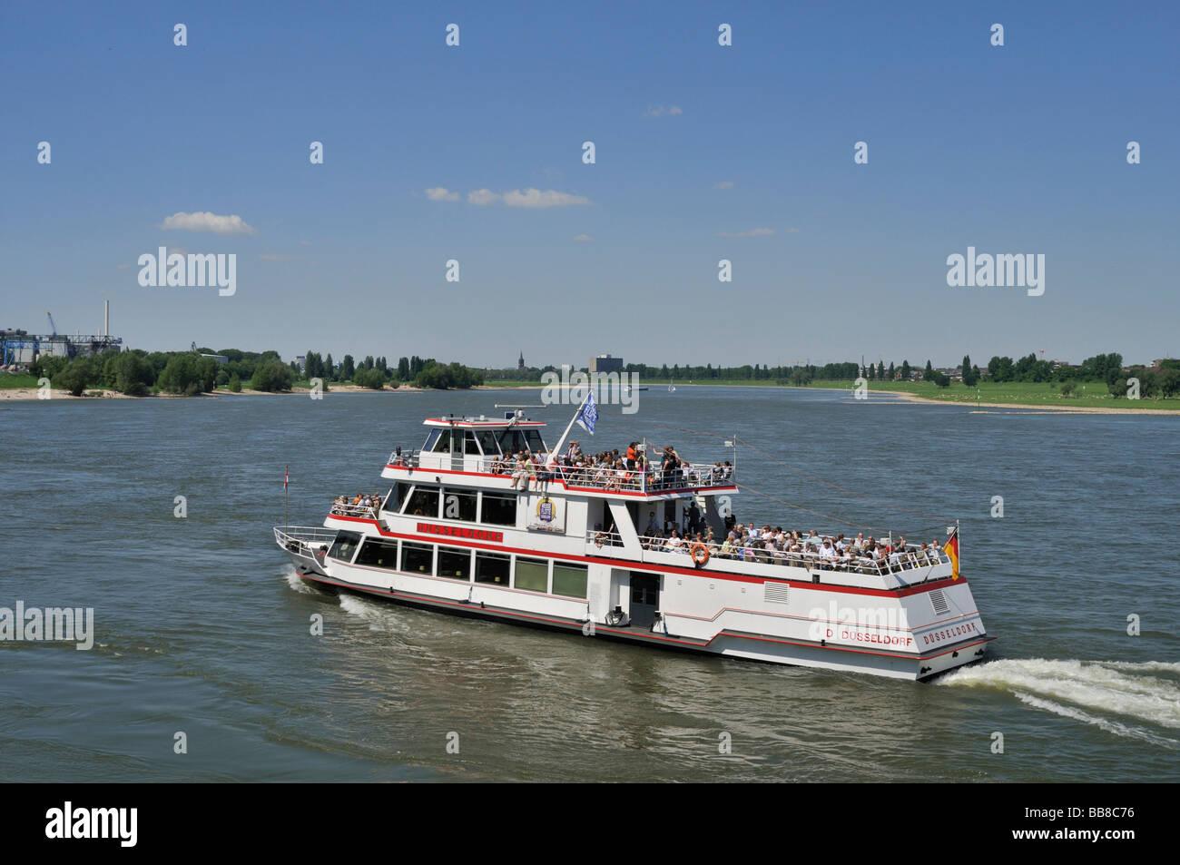 Fully occupied passenger ship, Duesseldorf, Weisse Flotte, white fleet, Rhine, North Rhine-Westphalia, Germany, - Stock Image